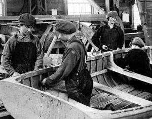 women-boat-builders